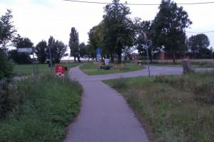 Vorfahrt und Sicht auf linkem Radweg