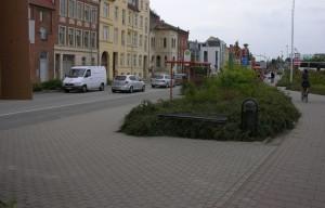 Fussgänger queren hier oft vom ZOB zur Stadtlinie