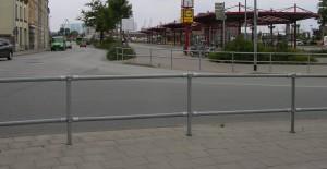 rechts kein Radweg nur Zaun