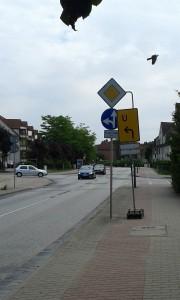 Radweg und Baustellenbeschilderung